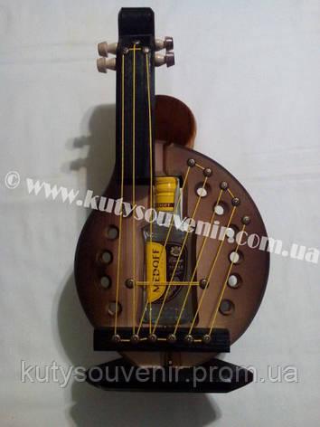 Украинский сувенир: музыкальный инструмент с водкой, фото 2