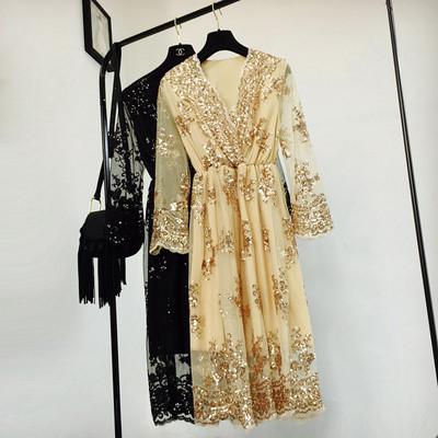 Женское длинное платье из органзы с пайетками бежевое