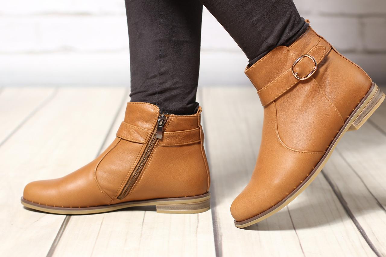 Женские кожаные ботинки TIFFANY на низком каблуке с ремешком