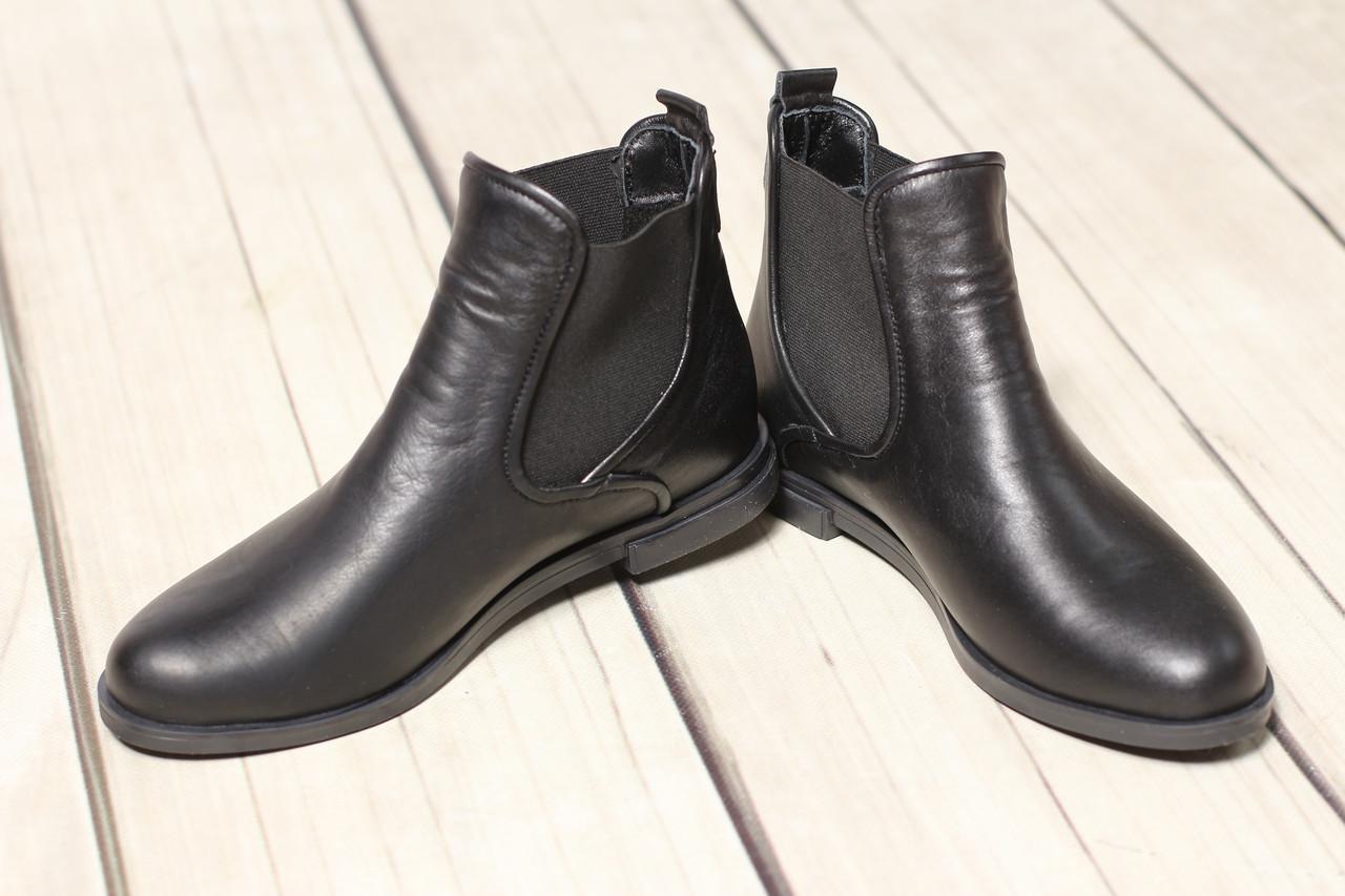 Жіночі замшеві черевики шкіряні напівчеревики челсі TIFFANY на низькому каблуці з ремінцем