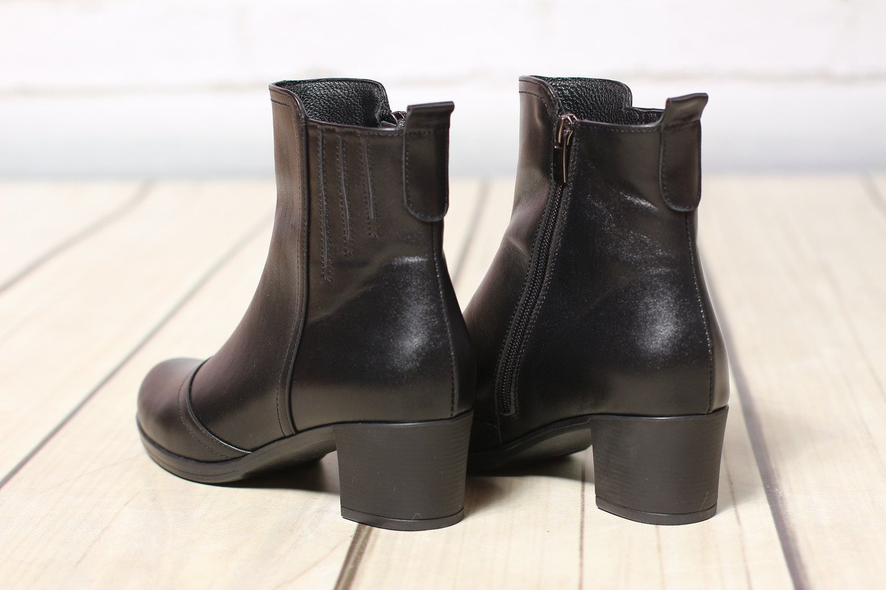 Женские кожаные ботинки полуботинки TIFFANY на низком  среднем каблуке с резинкой