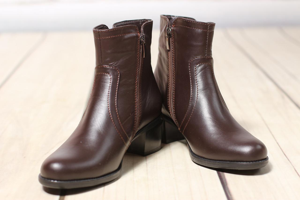 Женские кожаные ботинки полуботинки TIFFANY на низком  среднем каблуке