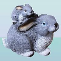 Садовая фигура, скульптура для сада Зайчиха с зайчонком
