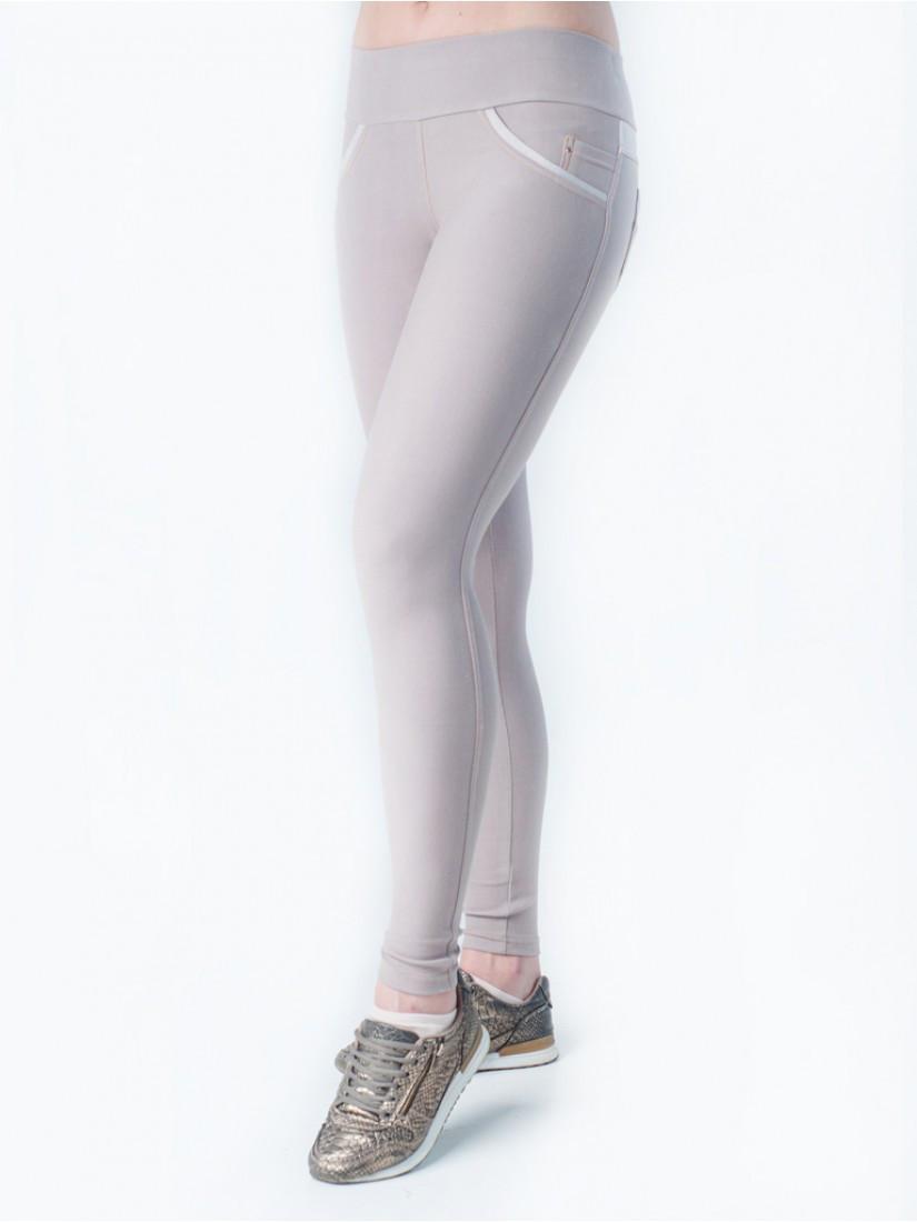Весенние женские лосины бежевого цвета. Ткань: трикотаж-джинс.
