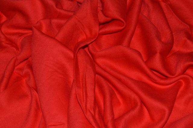 Палантин из кашемира однотонный красный Фото 3