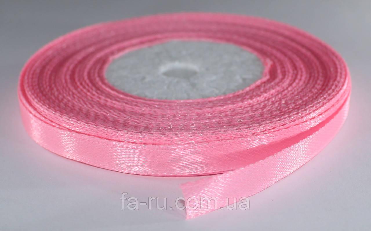 Лента атласная. Цвет - розовый насыщенный. Ширина - 0,7 см, длина - 23 м
