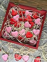 Набор свечей в деревянной шкатулке с рамкой для фотографии.