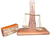 Весы и определение фальшивых монет и камней