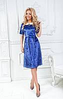 Красивое модное платье из бархата