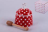 """Банка для меда с деревянной палочкой 9х9х11 см. """"Красный горошер"""" фарфоровая, красная"""