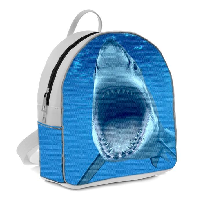 Белый городской рюкзак с принтом Акула
