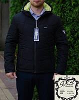 Мужская демисезонная куртка с цветной подложкой капюшона