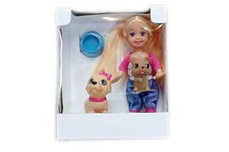 Кукла с двумя собачками и миской