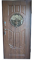 Двери входные  уличные  АРМА 204 . Входные двери для частного дома. Входная дверь с ковкой и стеклом