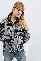 Женское демисезонное пальто с накладными карманами