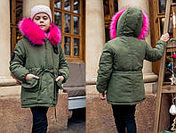"""Детская зимняя куртка-парка 5-134 """"Парка Эмблема Цветной Мех"""" в расцветках"""