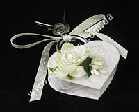 31208-01 Цветочная нежность, свадебный замок белый с кремовым, размер ~ 8,5 см x 7,5 см х 2 см