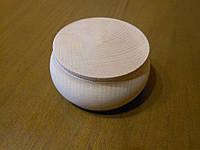 Деревянная шкатулка-бочонок. Диаметр - 75 мм, высота - 45 мм. Дерево - бук.