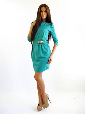 Трикотажное женское платье по колено