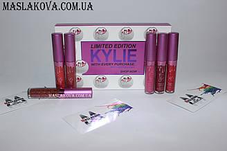 Жидкие помады Kylie
