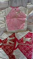 Кофта на змейке для девочки 2-6 лет розового,красного с белым цвета с кружевом оптом
