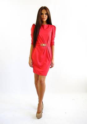 Деловое трикотажное платье по колено
