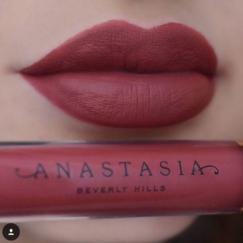 Стойкая матовая помада Anastasia Beverly Hills цвет Currant