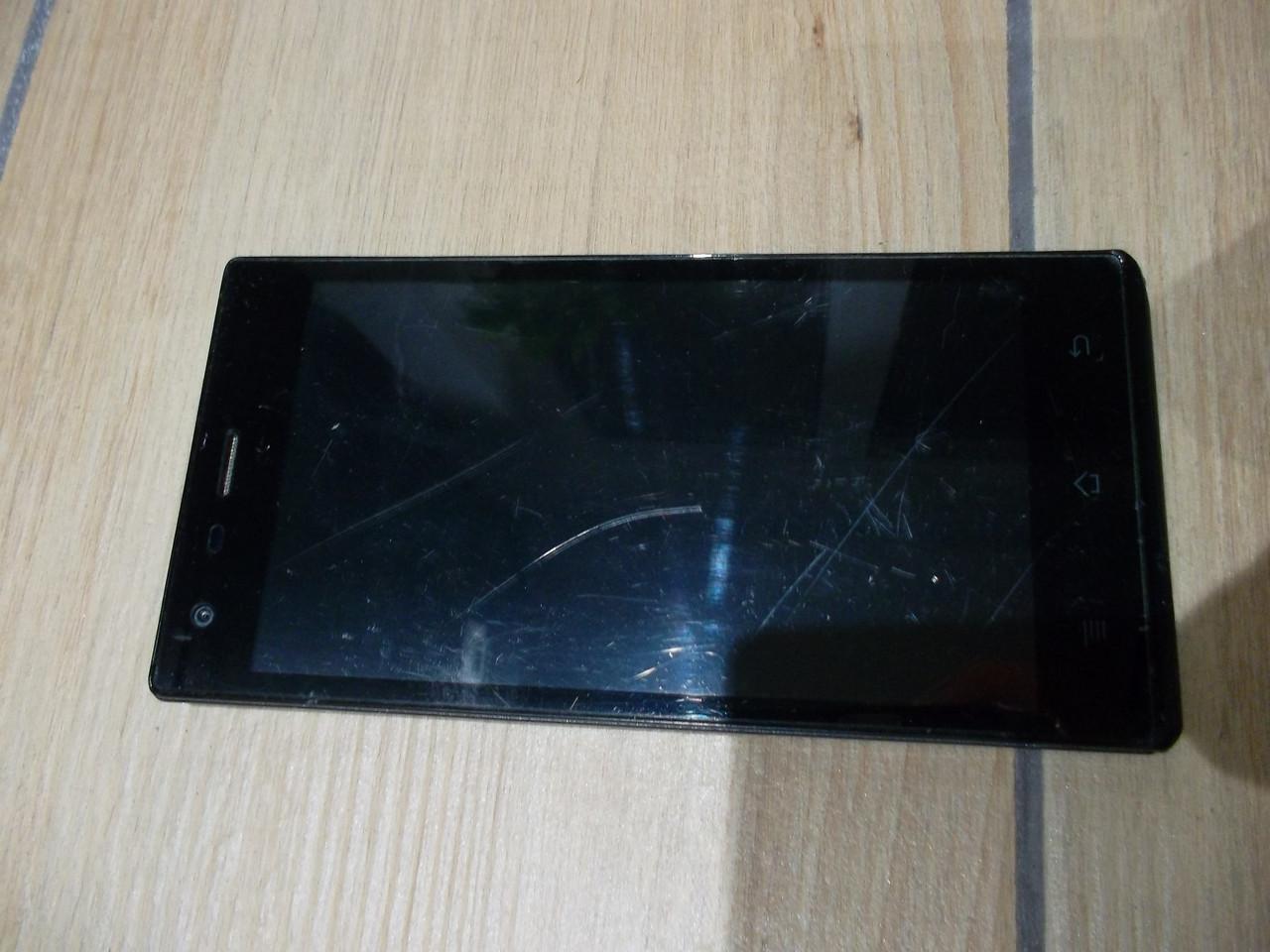 Мобильный телефон GoClever quantum 2500 №3901