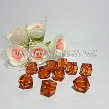 Бусины пластиковые, прозрачные, граненный квадрат, 10х10 мм, 10 шт., цвет св.коричневый.