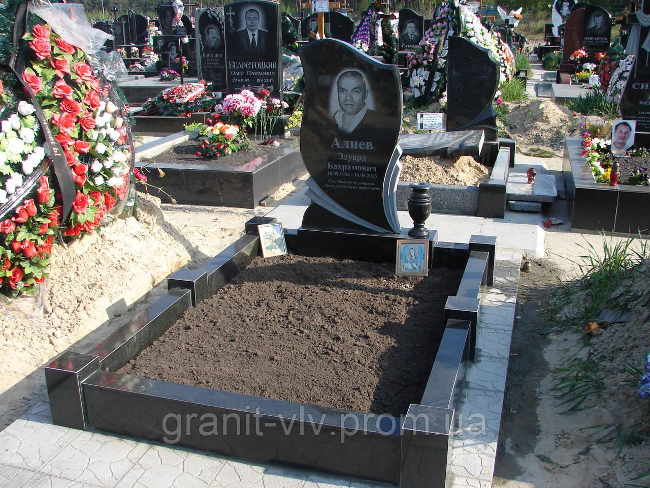 Фото памятников на кладбище из гранита для богатых цены на памятники в новосибирске иркутске