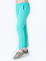 Стильные бирюзовые брюки на резинке в спортивном стиле