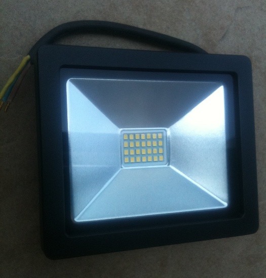 Светодиодный прожектор Slim SMD SL-4001 20W 6400K Код.56233