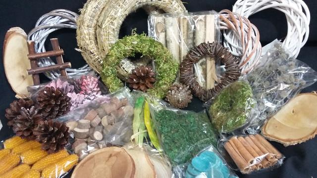 Натуральный декор: сено, гнезда, мох, сезаль, рафия...