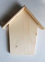 Ключница-домик. Размер- 125*150*23мм. Дерево- ель.