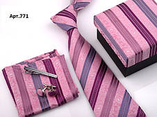 Подарунковий рожевий набір: краватку, запонки, хустку, затискач