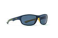 Мужские солнцезащитные очки INVU модель A2709A.