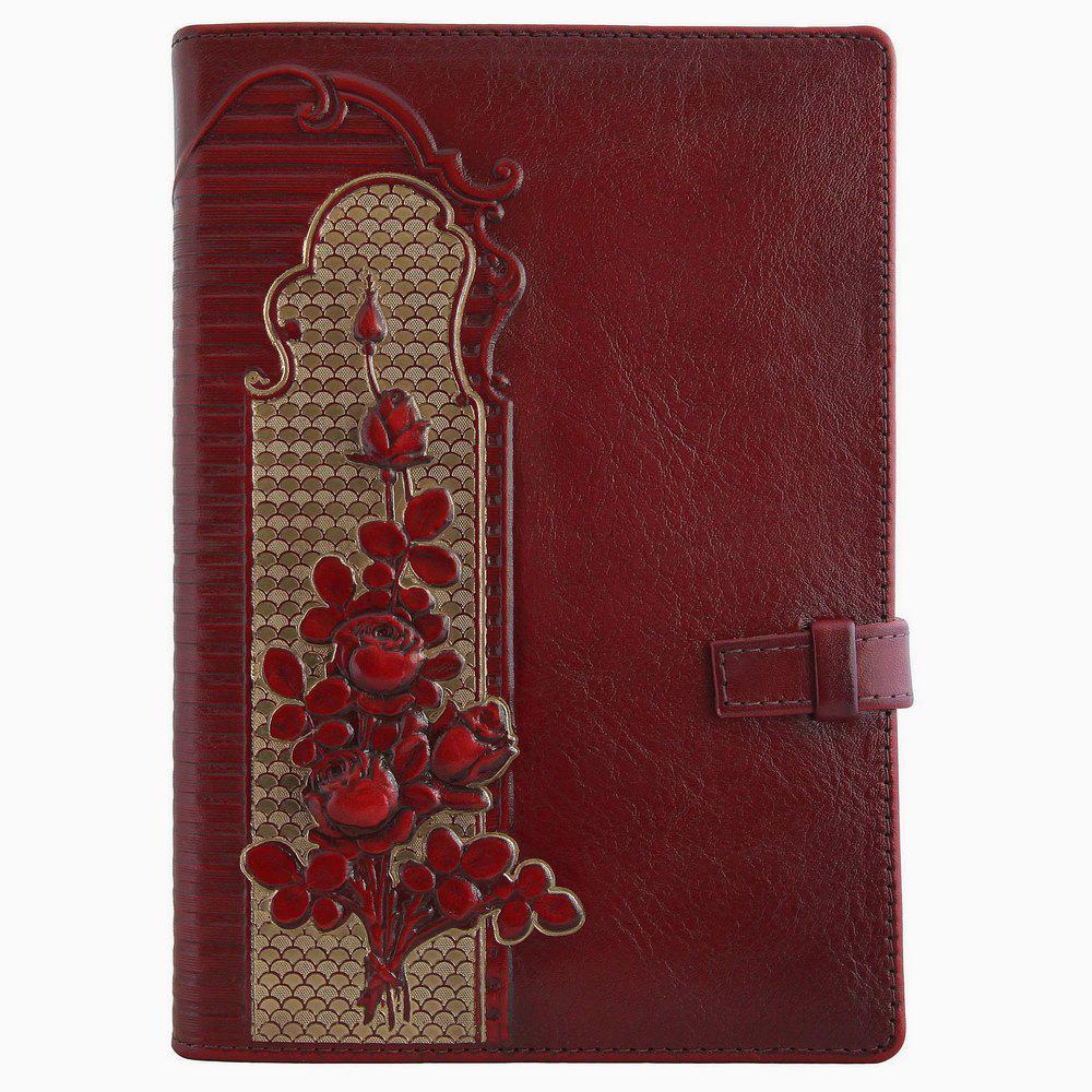 """Ежедневник кожаный А5 """"Розы"""". Цвет вишневый."""