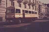 ВВеликобритании продают бронированный автобус Маргарэт Тэтчер