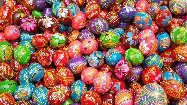 Пасхальные яйца, писанки.
