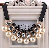 Ожерелье Привлекательность белое/бижутерия/цвет ленты черный/цвет искусственных камней белый и черный