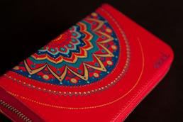 Кожаный кошелек красный