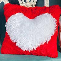 Подушки декоративные плюшевые