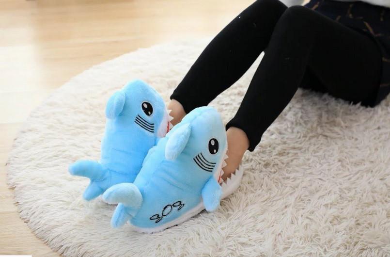 Тапочки-игрушки голубые Акулы