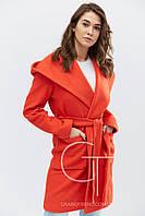Женской демисезонное пальто прямого кроя с капюшоном