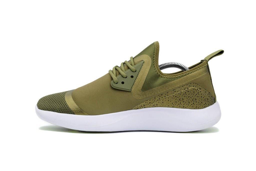 Мужские кроссовки Nike LunarCharge Essential Olive