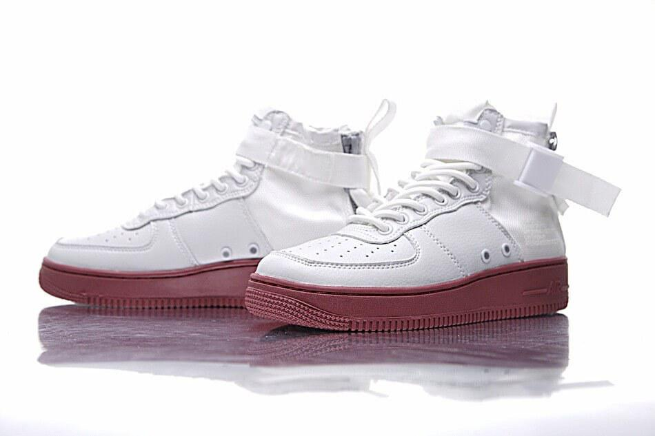 Кроссовки белые для мужчин Nike SF Air Force 1 Utility Mid White/Gum