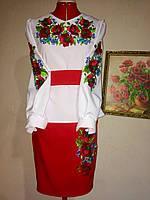 Женская вышиванка с маками и розами