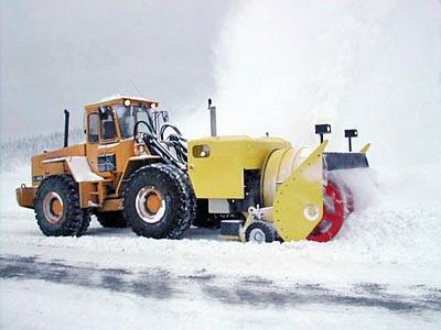Снігоочисник з автономним двигуном UTV 600