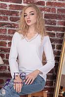 Элегантная белая блуза с кружевом