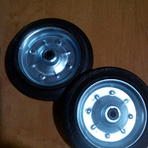 Запасные колеса металлические для тележек